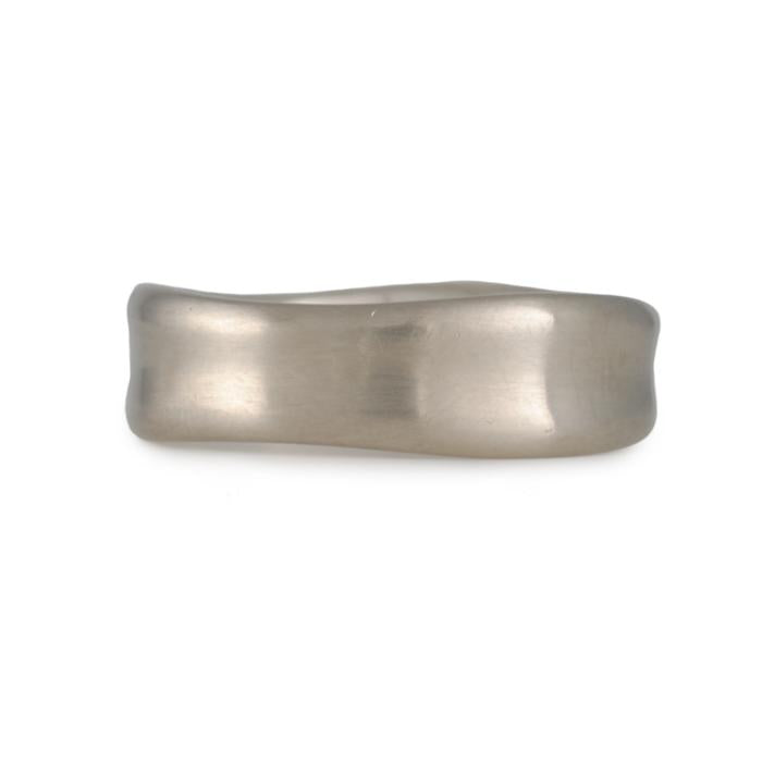 Matsu - Small Curve Band in 14K White Gold