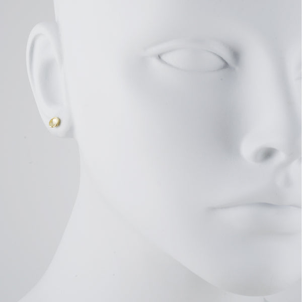 Sarah Richardson - Small Pod Studs in Gold Vermeil