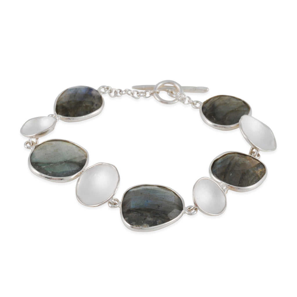 SARAH RICHARDSON - Stepping Stone Bracelet in Sterling Silver with Labradorite