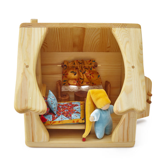 Wooden Dollhouse Set