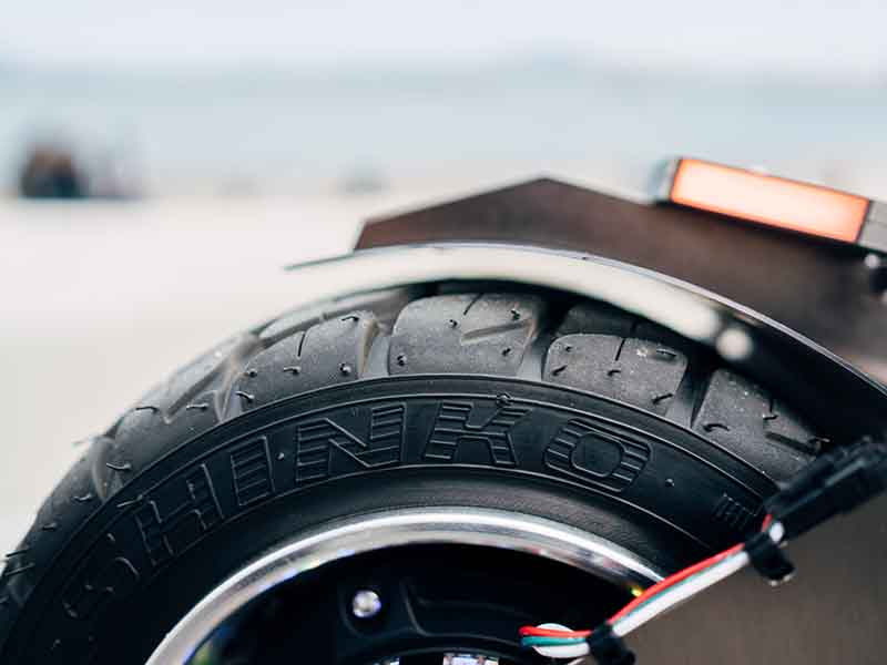 Weped GT Electric Scooter Shinko Tires