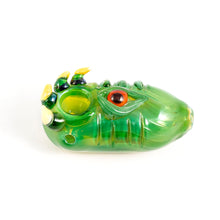 Load image into Gallery viewer, Green Dragon Eye Pipe