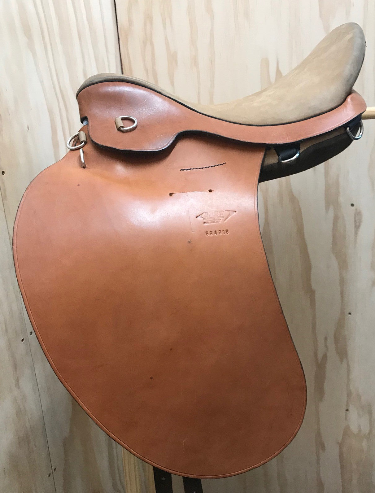 East Saddle Standard Seat