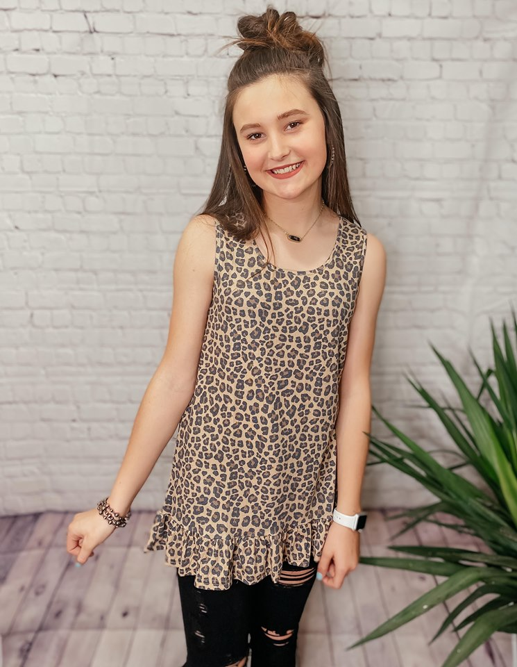 LESLIE LEOPARD PRINT RIBBED RUFFLE BOTTOM KNIT TUNIC TANK TOP