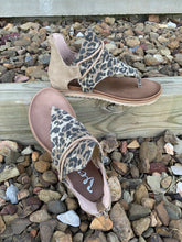 Load image into Gallery viewer, Sparta Leopard Print Sandal