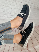 Load image into Gallery viewer, Poppy Black Slip-On Shoes