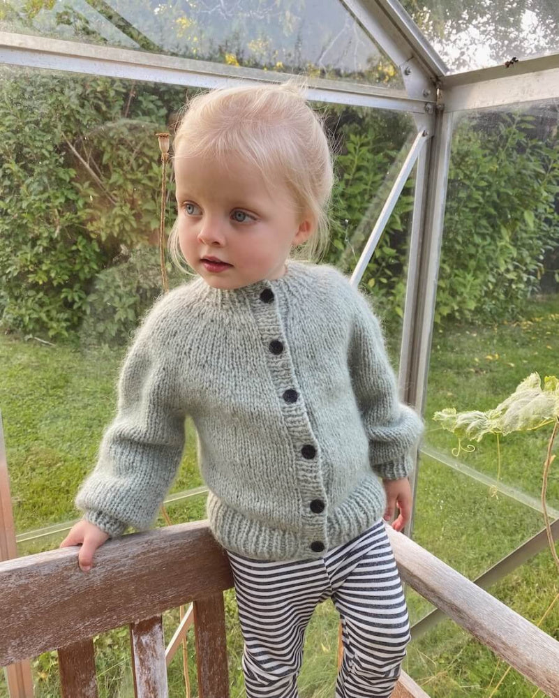 Novice Cardigan Mini - Chunky Edition - Papir