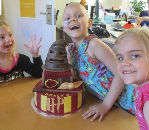 Cake Angel Network Australia Harry Potter Cake for Sick children serious illness child charity families in need volunteer cake decorators