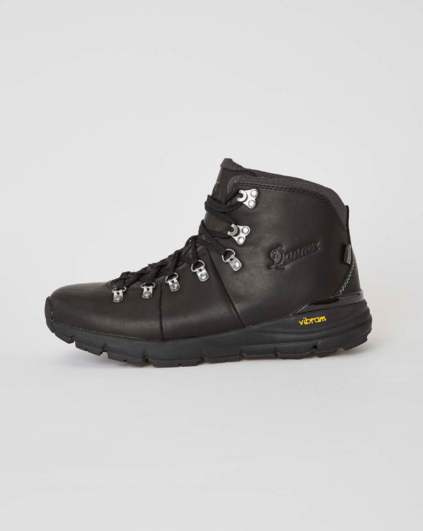 "Danner Mountain 600 4.5"" Carbon Black Full Grain (Black)"