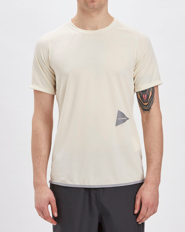 and Wander Dry Jersey Raglan Short Sleeve Top (Off White)
