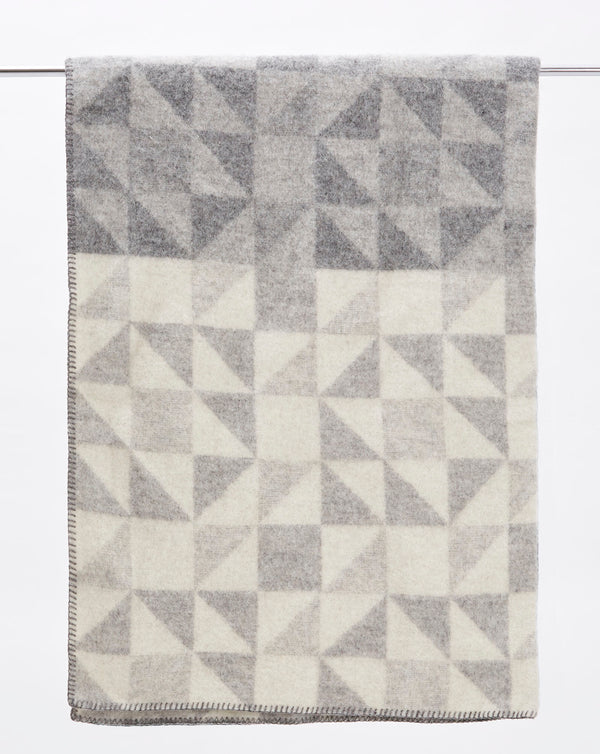 Klippan Shape Blanket (Grey)