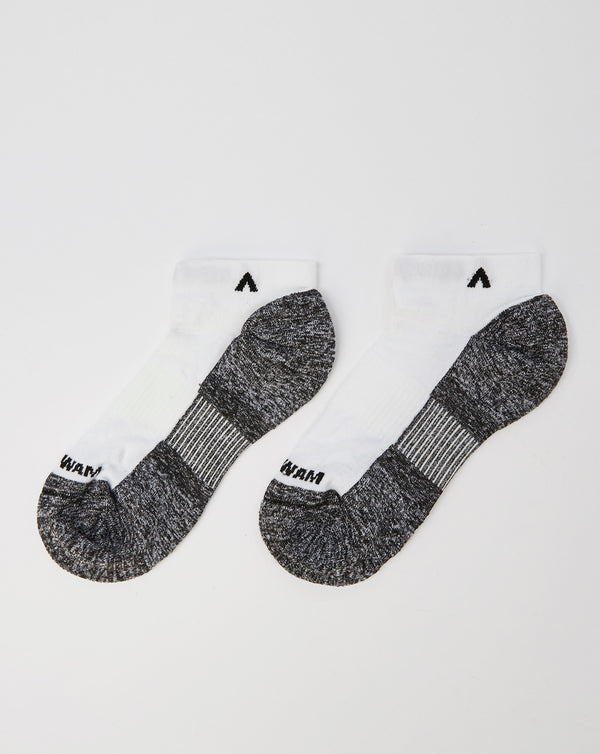 Wigwam Attain Lightweight Low Socks (White)