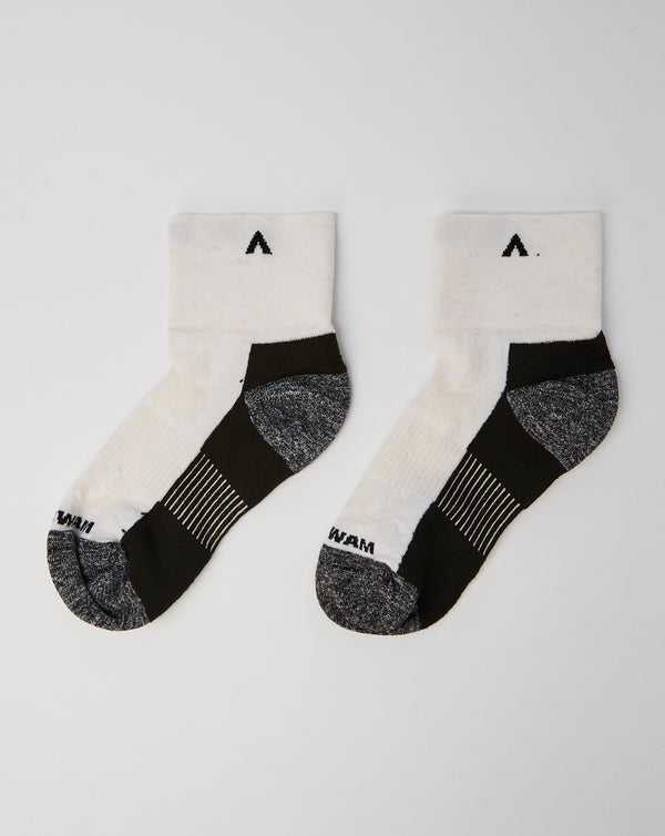 Wigwam Attain Midweight Quarter Socks (White)