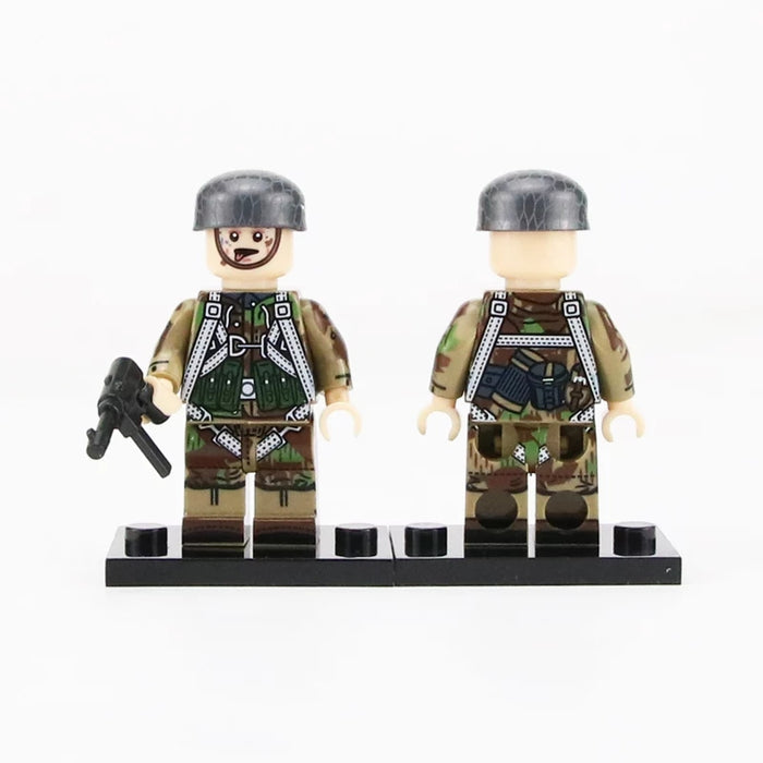 Custom Fallschirmjäger figures with parachute strap