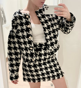 Vintage Black and White Two Piece Pearl Button Plaid Blazer and High Waist a Line Mini Skirt Long Sleeve Skirt