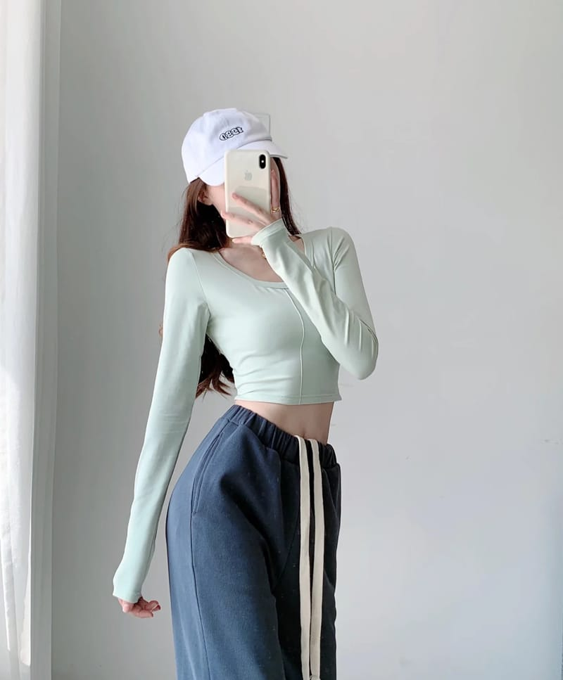 Women White Long Sleeve Crop top Fitted T-shirt with Stitch detail