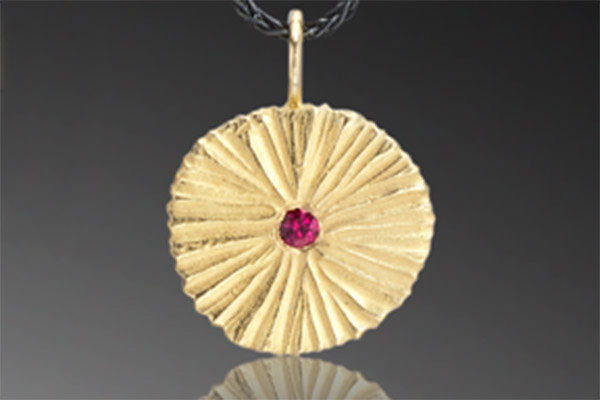 Circle Dig Pendant with Center Stone