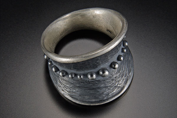 Bumpy Belted Tapered Ring
