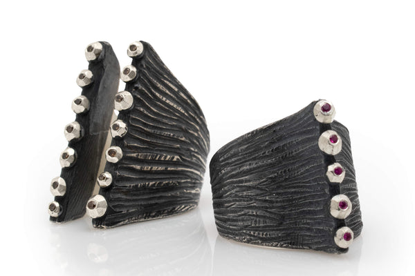 Solid Corset Dig Ring with Top Stones