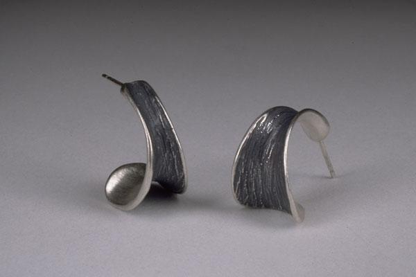 Short Horn Earring