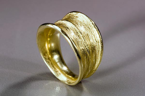 Two Row Tapered Horn Ring