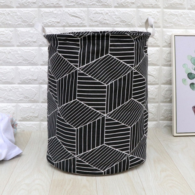BLACK & WHITE PATTERN LAUNDRY BAG