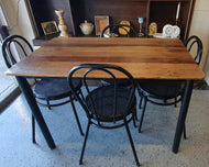 Table and 4 chair set (Varnished)