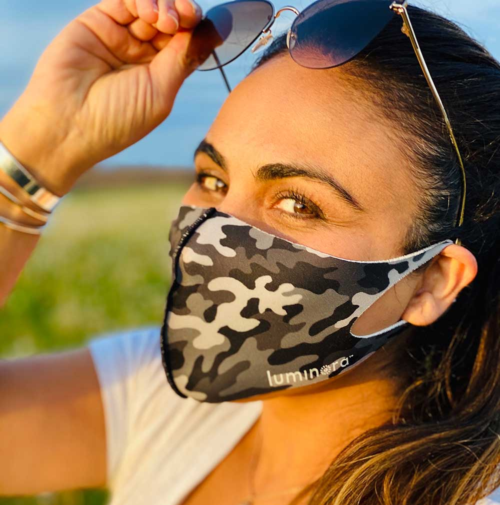 pretty-woman-wearing-upf-breathable-face-mask-for-outdoor-excercise