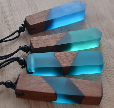 Vintage fashionable wood resin necklace pendant