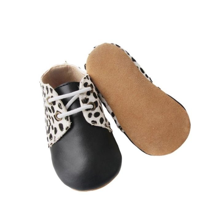 Black Toe with Animal Print Lapel Oxford Style Lace Up Boots Sole View