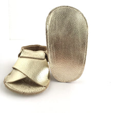 Load image into Gallery viewer, Cross Soft Sole Sandal Sole View Metallic Gold