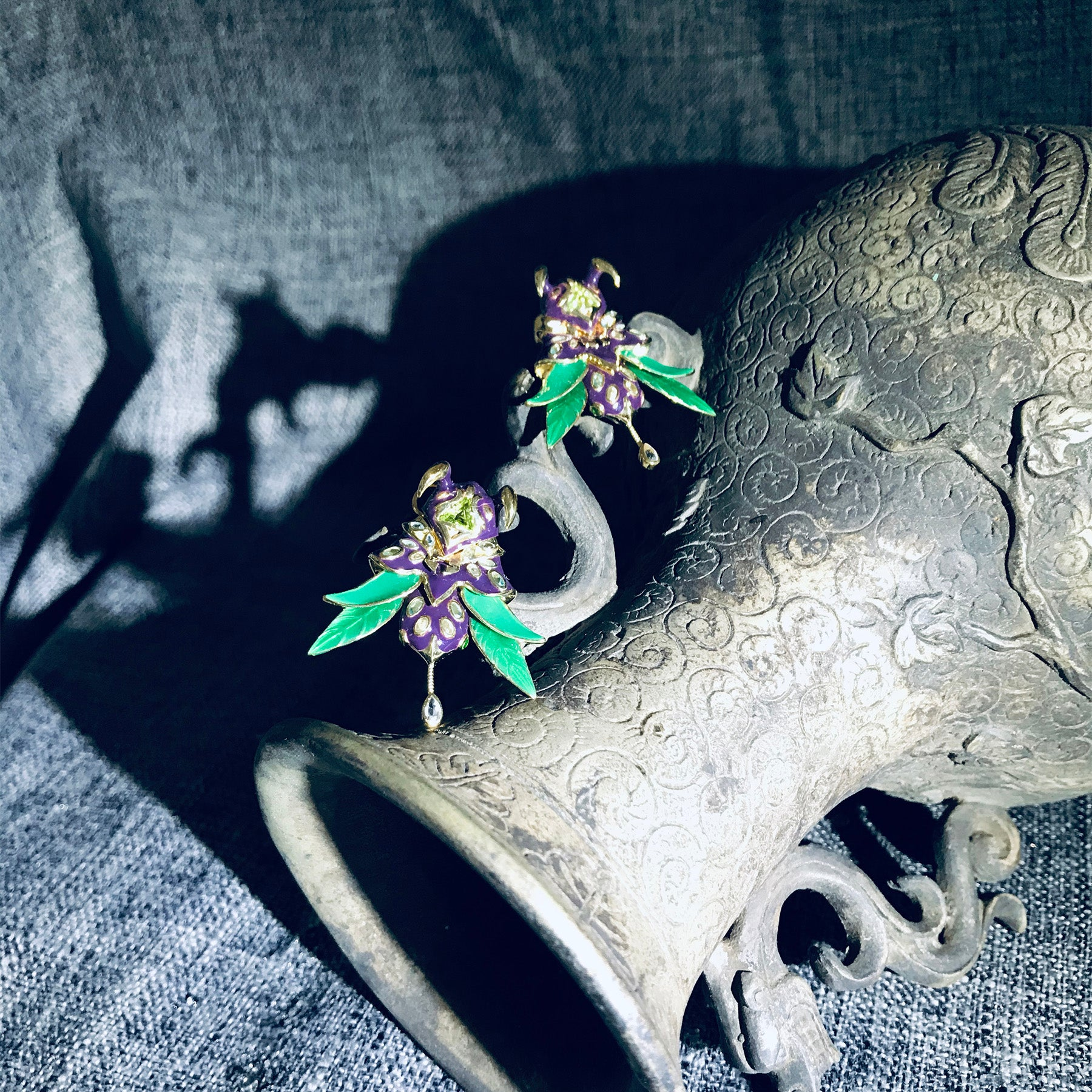 An Archite Lord Earrings | 9K Gold
