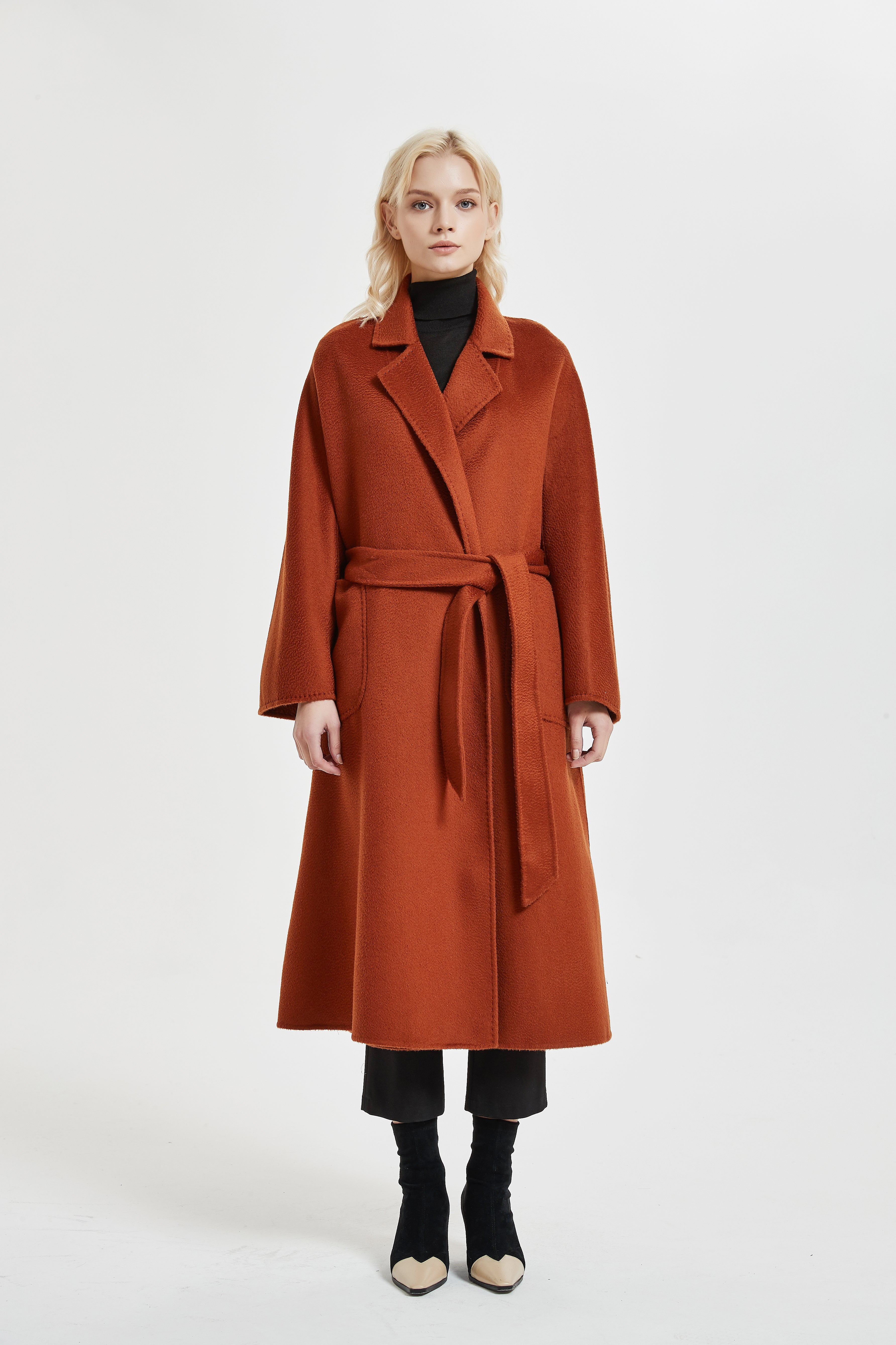 THE CLASSIC WRAP COAT WITH FLARED-SLEEVES
