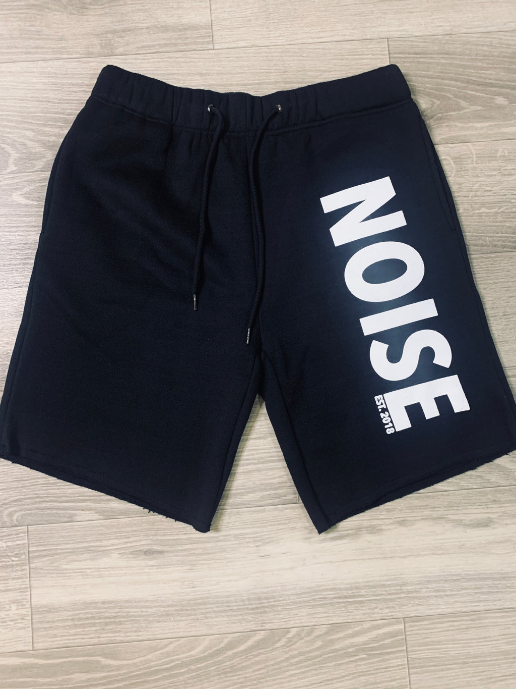"BLACK JOGGER SHORTS ""NOISE"""