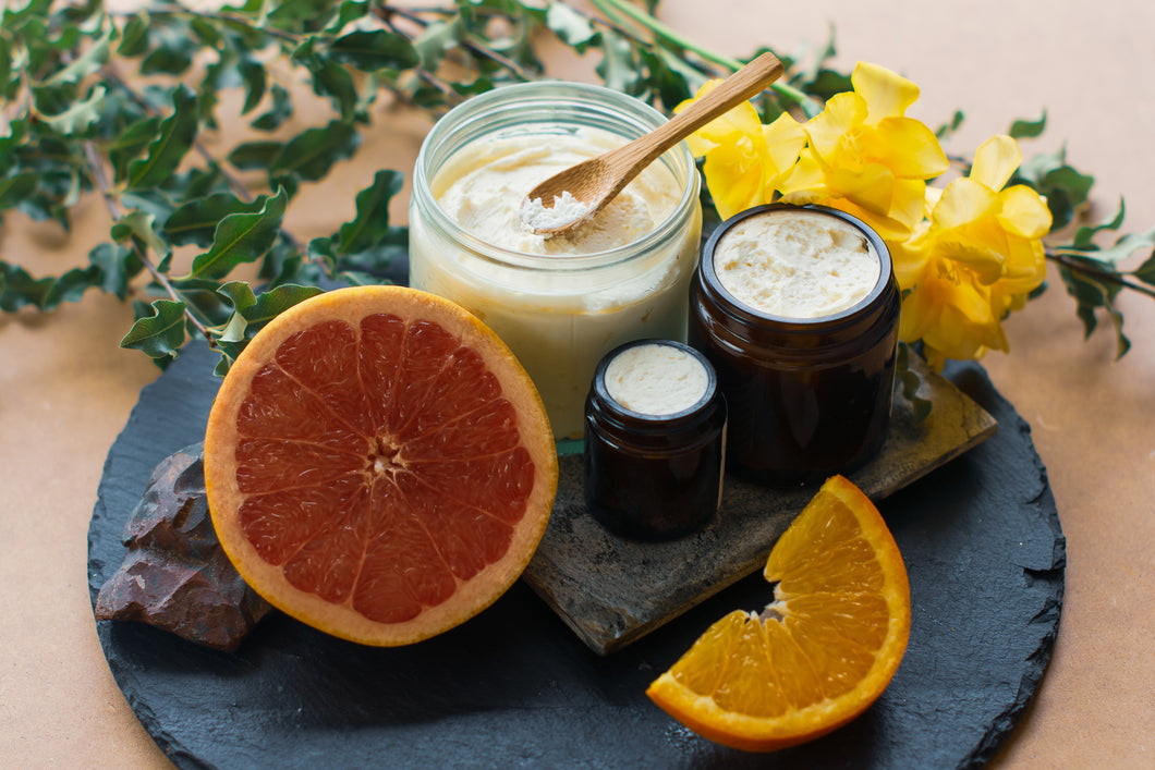 Grapefruit and Sweet Orange Body Butter / Body Lotion containing shea butter and cocoa butter for lasting skin hydration. Particularly good for very dry skin. Chemical free and fairtrade ingredients.