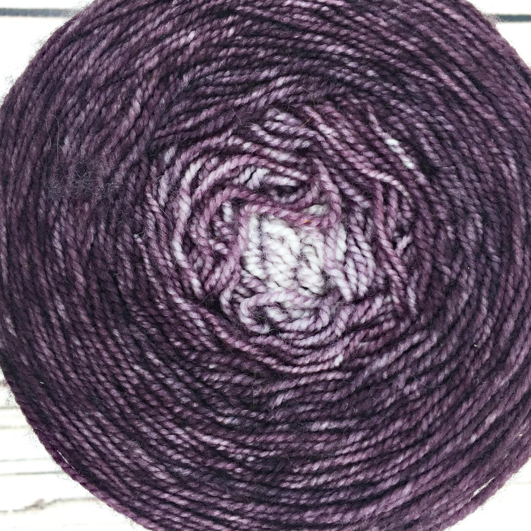 Aubergine gradient cake - 692 yards
