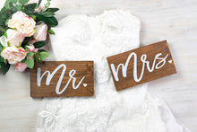 Load image into Gallery viewer, Modern Mr and Mrs Wedding Signs with Hearts
