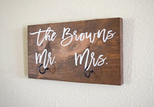 Load image into Gallery viewer, Personalized Last Name Mr and Mrs Key Holder