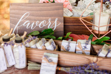 Load image into Gallery viewer, Wedding Favors Sign