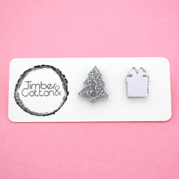 Mismatch Christmas Tree & Present in Silver- Timber & Cotton