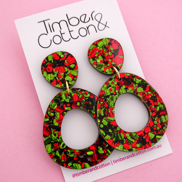 Mia 'Christmas Flake' Dangle Earring- Timber & Cotton