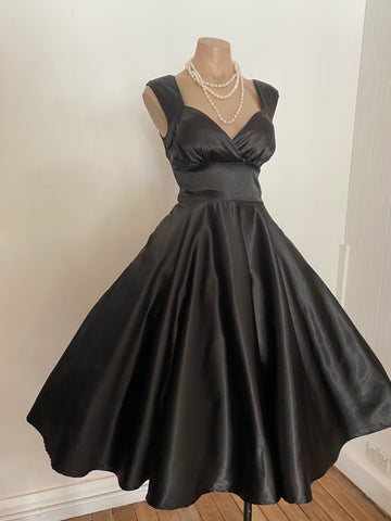 Black Satin Shell Cut