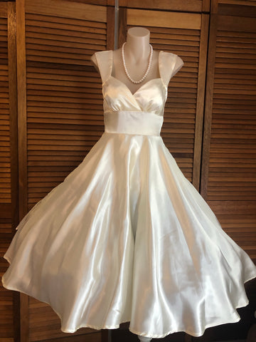 Ivory Satin Shell Cut