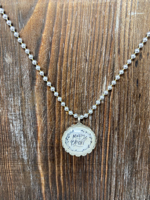 [CHRISTMAS] Round Charm Necklace - Merry and Bright