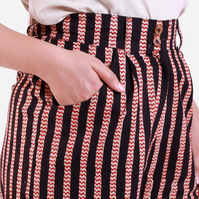 Right Detail of a Model wearing Striped High-Rise Baggy Cotton Pant