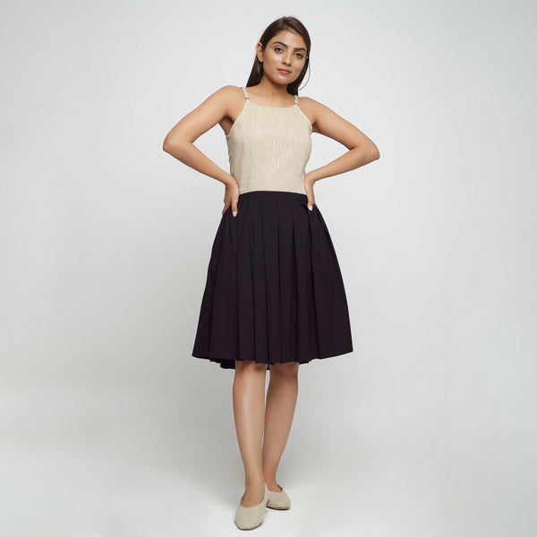 Front View of a Model wearing Black Cotton Flax Pleated Skirt