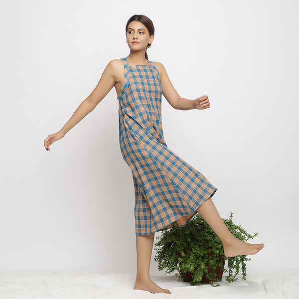 Right View of a Model wearing Bottle Green Handspun A-line Shift Dress