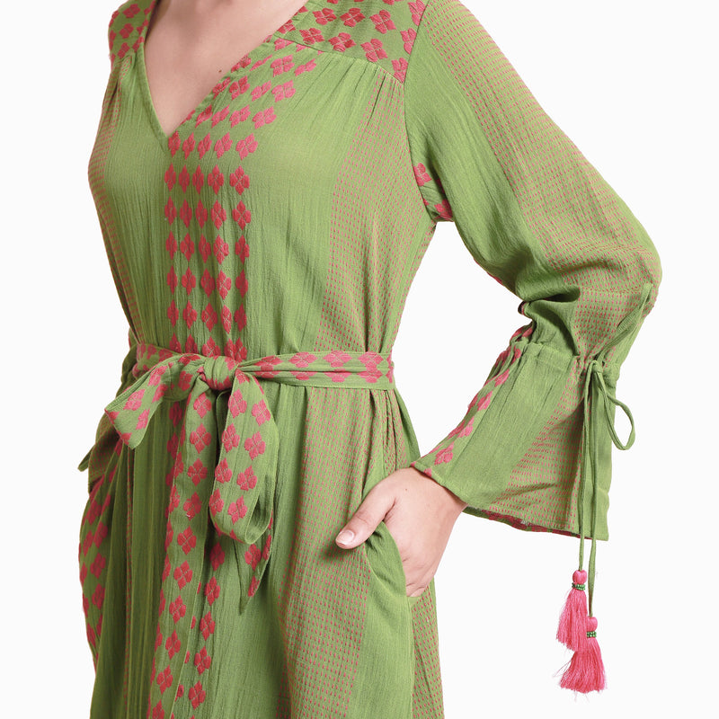Front  Detail of a Model wearing Green Crinkled Cotton Deep Neck Tent Dress