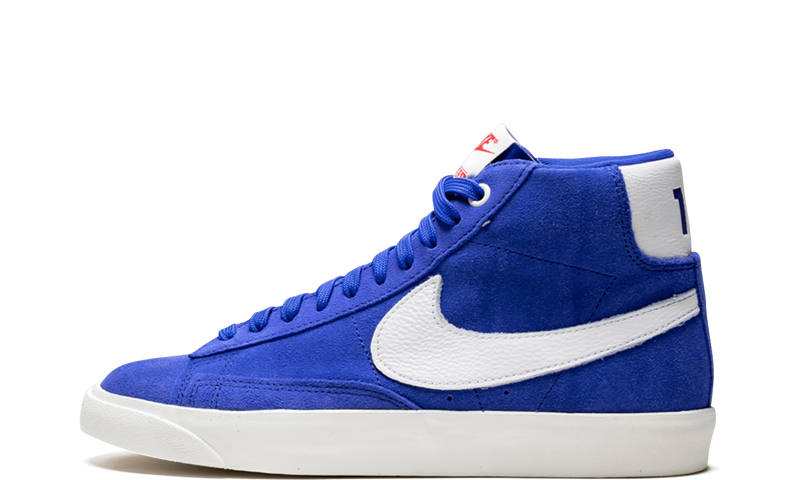 Nike-Blazer-Stranger-Things-OG-CK1906-400-Sneakers-Heat-1