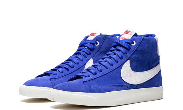 CK1906-400-Nike-Blazer-Stranger-Things-OG-Sneakers-Heat-2